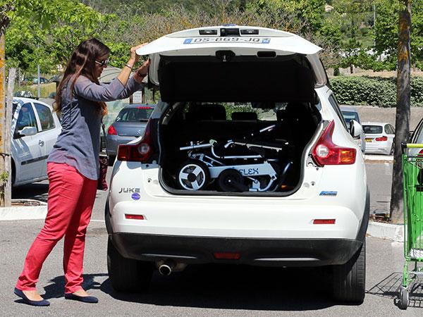 egen bil Eloflex hopfällbar elrullstol, elektrisk rullstol, vikbar, portabel, lätt, låg vikt, egen bil, flyg, resa, kompakt, smidig, bagage