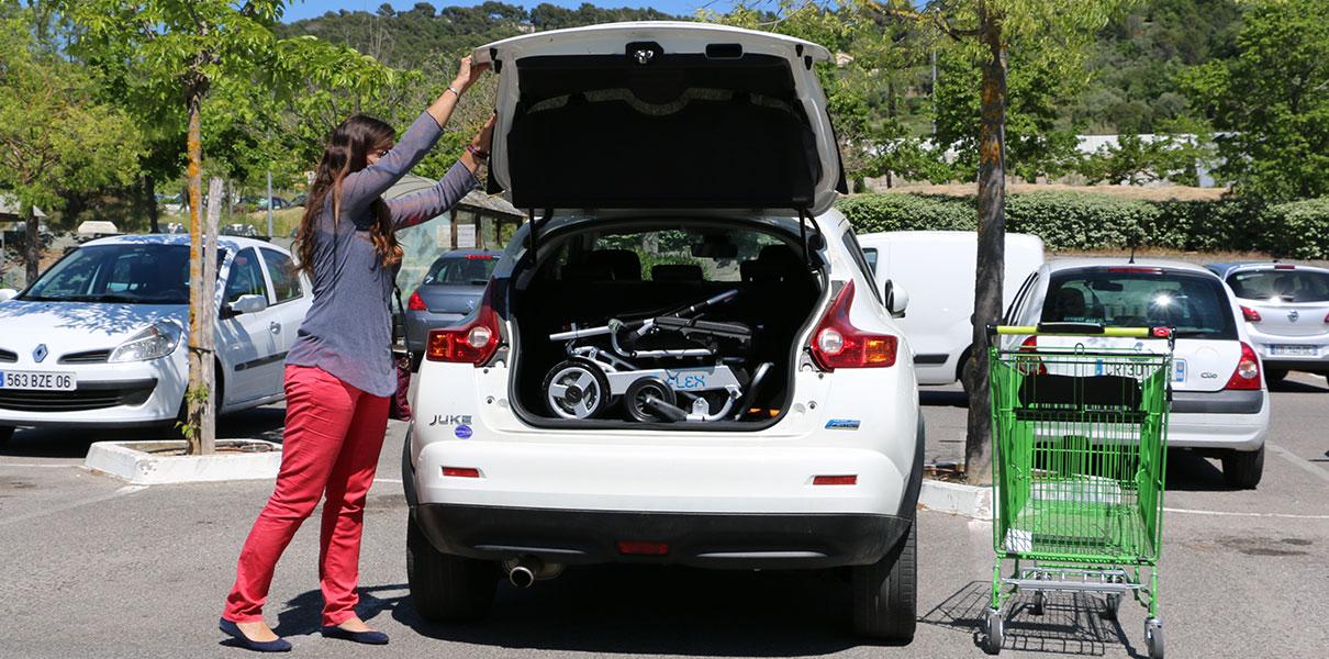 Bilen Eloflex hopfällbar elrullstol, elektrisk rullstol, vikbar, portabel, lätt, låg vikt, egen bil, flyg, resa, kompakt, smidig