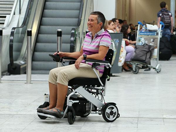 Sjukdom Eloflex hopfällbar elrullstol, elektrisk rullstol, vikbar, portabel, lätt, låg vikt, egen bil, flyg, resa, kompakt, smidig