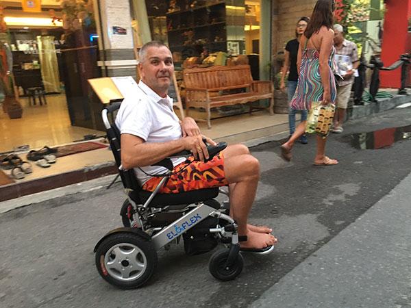 semester, thailand Eloflex hopfällbar elrullstol, elektrisk rullstol, vikbar, portabel, lätt, låg vikt, egen bil, flyg, resa, kompakt, smidig