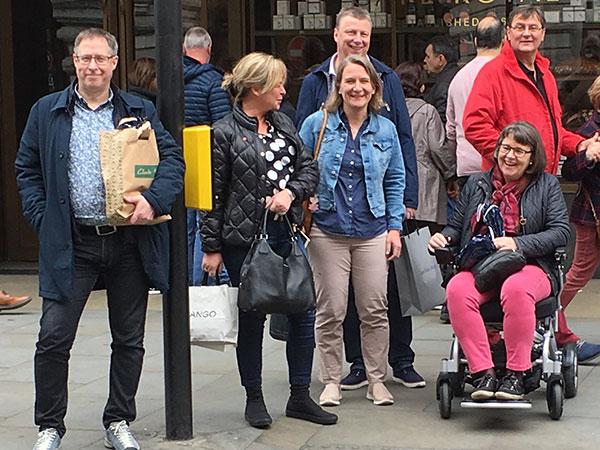 Resa London Eloflex hopfällbar elrullstol, elektrisk rullstol, vikbar, portabel, lätt, låg vikt, egen bil, flyg, resa, kompakt, smidig