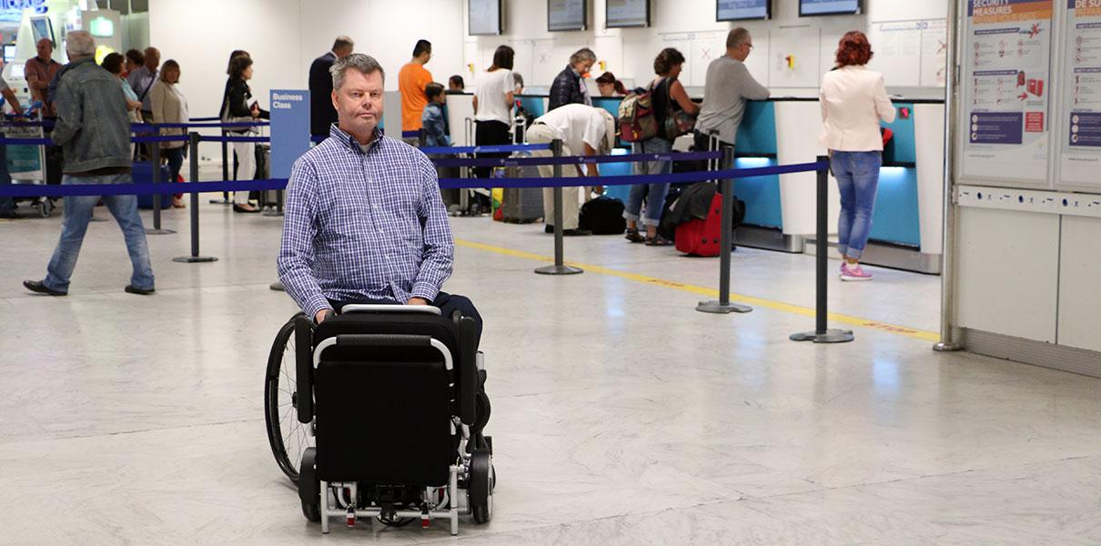 flyg, flygresa, incheckad, bagage Eloflex hopfällbar elrullstol, elektrisk rullstol, vikbar, portabel, lätt, låg vikt, egen bil, flyg, resa, kompakt, smidig