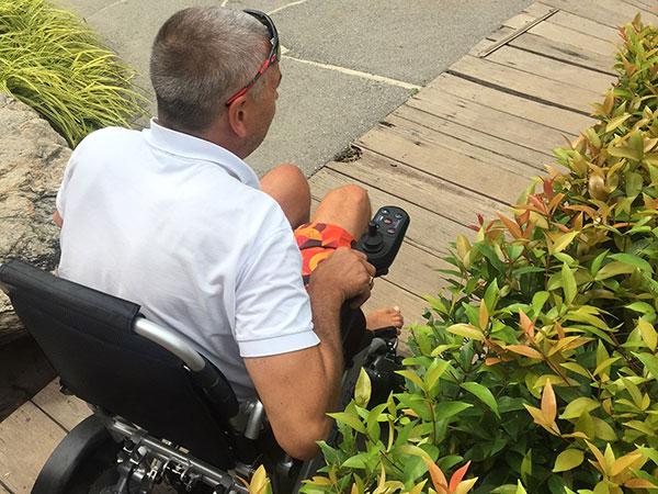Semester Eloflex hopfällbar elrullstol, elektrisk rullstol, vikbar, portabel, lätt, låg vikt, egen bil, flyg, resa, kompakt, smidig