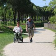elrullstol sommarstuga promenader hopfällbar lätt