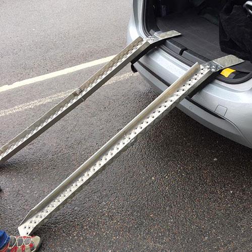 Eloflex hopfällbar elrullstol ramp lasta in i bilen